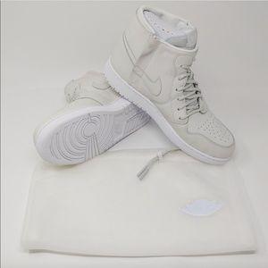 Nike Womens Air Jordan 1 AJ1 Retro High Rebel XX